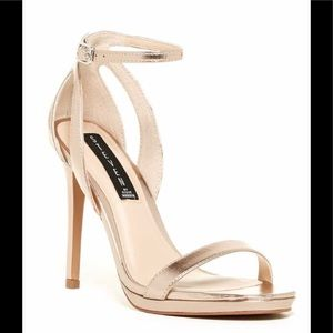 STEVEN by Steve Madden Rebeca Gold Stilettos Sz 6